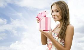 Какой парфюм подарить девушке?