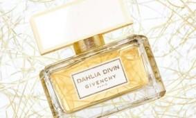 Аристократический аромат Dahlia Divin от Givenchy